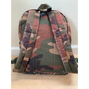 94e429b96b6 Herschel Supply Company Bags - Herschel Pop Quiz Mid-Volume Camo Backpack